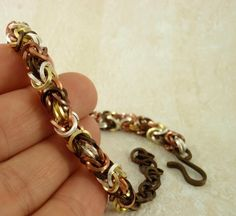 Mixed Byzantine Bracelet Instructions  -- I think this pattern is my favorite love it! must try! #ecrafty
