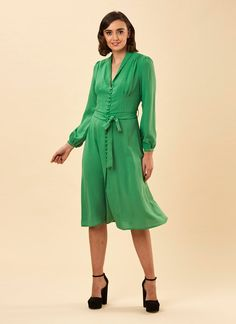 The Babs Button-Through Green Midi Dress is a vintage-inspired long sleeve dress with a tie waist and button-through front. Shop Joanie's vintage-inspired dresses now! Vintage Inspired Dresses, Dress Vintage, Joanie Clothing, Midi Length Skirts, Green Midi Dress, 1940s Fashion, Colourful Outfits, Pretty Outfits, Work Wear