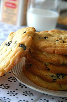 Blueberry-and-Cream Cookie