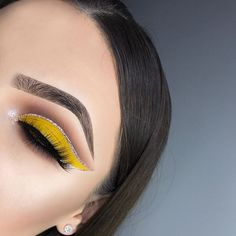 """YELLOW  inspired by @lelyyheartss_ ✨ DETAILS: EYES- • @toofaced Sweet Peach Palette • @morphebrushes 35B Palette • @makeupgeekcosmetics """"Frappe"""" and """"Cocoa Bear"""" • @nyxcosmetics Glam Nude Liquid Liner • @australiscosmetics Metallix in """"Guns and Rose Petals"""" for inner corner highlight LASHES- • @sweetheartlashes in the style """"Charlotte"""" ✨USE MY CODE """"EMILY"""" FOR 15% OFF✨ BROWS- • @anastasiabeverlyhills Dip Brow Pomade in """"Medium Brown"""" GLOW- • @thebalm_cosmetics Mary-Lou Manizer CONTACT L..."""
