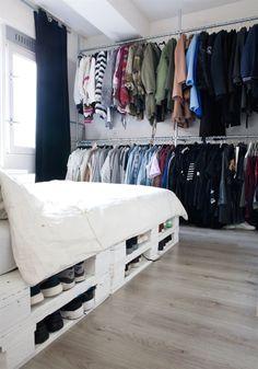 Top 62 Recycled Pallet Bed Frame – DIY Pallet Collection Frame # 2 – room – Home Decor Pallet Bedframe, Wooden Pallet Beds, Wood Pallets, Bed With Pallets, Diy Pallet Bed, Pallet Wood Bed Frame, Pallett Bed, Recycled Pallets, Pallet Sofa