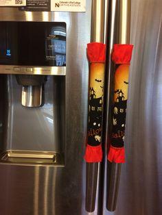 Cute DIY halloween fridge handle covers Fridge Handle Covers, Cute Diys, Diy Halloween, Little Things, Sewing Projects, Wraps, Holiday Decor, Rolls, Rap