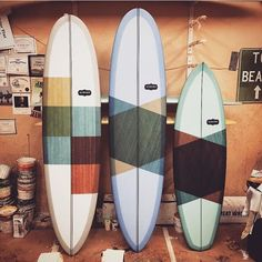So you want to learn to surf? These beginners surfing tips will help you get started. Surfboard Painting, Surfboard Art, Skateboard Art, Wooden Surfboard, Santa Monica, Billabong, Surf Vintage, Longboard Design, Swimming Party Ideas