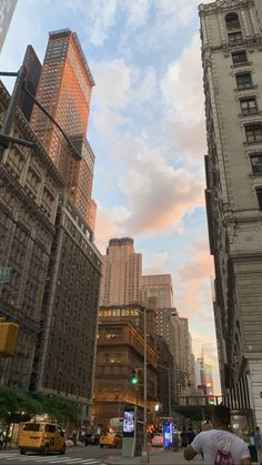 New York Life, Nyc Life, City Aesthetic, Travel Aesthetic, City Vibe, Story Instagram, Dream City, Concrete Jungle, Aesthetic Pictures