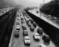 Now called the Hollywood Freeway, at the time Gus Newman took this photo for the Los Angeles Examiner – in November 1952 – it went by the name Cahuenga Freeway or Cahuenga Pass Freeway.