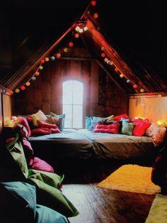 7 Beautiful Hacks: Old Attic Renovation old attic renovation.Attic Living Dream Houses old attic renovation. Style At Home, Dream Rooms, Dream Bedroom, Gypsy Bedroom, Attic Rooms, Attic Bathroom, Attic Loft, Attic Playroom, Attic Spaces