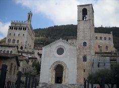 Gubbio. Tratto dai film di 'Don Matteo', nella realtà la Chiesa di San Giovanni