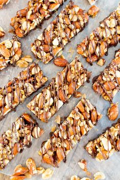 Homemade Dark Chocolate Sea Salt KIND Nut Bars (V, GF, DF): a protein-rich recipe for homemade KIND bars drizzled in rich dark chocolate. Healthy Granola Bars, Healthy Bars, Healthy Vegan Snacks, Healthy Sweets, Paleo, Healthy Recipes, Protein Bar Recipes, Protein Rich Foods, Protein Snacks
