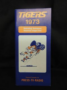 1973 MLB MAJOR LEAGUE BASEBALL DETROIT TIGERS MEDIA YEARBOOK GUIDE SPORTS