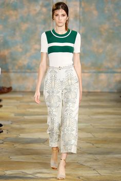 See the complete Tory Burch Spring 2016 Ready-to-Wear collection.