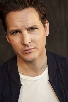 #PeterFacinelli have been cast as #MaxwellLord in the new Supergirl series!