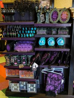 Disney World 2013 Halloween, Haunted Mansion, and Nightmare Before Christmas Merchandise - easyWDW Disney Halloween Decorations, Disneyland Halloween, Halloween Christmas, Haunted Mansion Decor, Nightmare Before Christmas Merchandise, Disney Home, Disney Disney, Disney Magic, Disney Parque