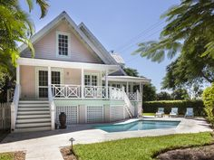 Old Naples' Royal Palm Cottage - Walk to Beach and Fifth Ave - Old Naples Vacation Rental Sites, Girls Getaway, Beach Cottages, Beach Houses, Pink Houses, Weekends Away, Beach House Decor, Naples, Swimming Pools
