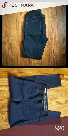 GAP pull-on leggings 27P GAP pull-on Jean leggings with elastic waistband.  Barely worn EUC GAP Jeans Skinny