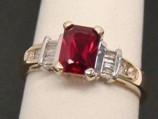 10K YELLOW GOLD EMERALD CUT CREATED 1.15 CT RUBY .12 CTTW DIAMOND RING SIZE 7.5
