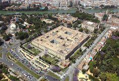 Impresionante vista de la Fábrica de Tabacos, sede del Rectorado de la Universidad de Sevilla