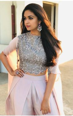 Latest stills of actress Keerthy Suresh. Indian Actress Photos, South Indian Actress, Indian Actresses, South Actress, Most Beautiful Indian Actress, Beautiful Actresses, Sonam Kapoor, Deepika Padukone, Bollywood Fashion
