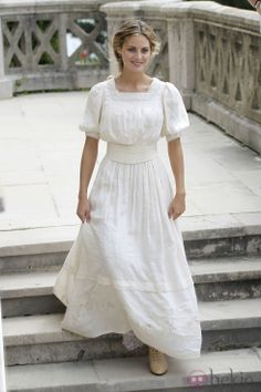 alicia Vestidos Vintage, Vintage Dresses, Vintage Outfits, Lace Skirt, Lace Dress, White Dress, Amaya Salamanca, Indiana, Grande Hotel