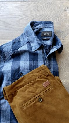 Flannel and Chinos from @jachsny #menswear #mensfashion #fashionbloggers #flannel
