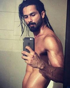 Did Shahid Just Introduce Fans to His Udta Punjab Look?