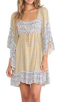 Beautiful dress for warm fall days - pair it with  a pair of boots! http://rstyle.me/n/p8vndnyg6