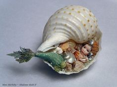 The fine art dolls of Stephanie Blythe featuring galleries of exquisite porcelain figures and miniature dolls. Seashell Art, Seashell Crafts, Beach Crafts, Mermaid Fairy, Mermaid Dolls, Clay Projects, Clay Crafts, Driftwood Projects, Driftwood Art