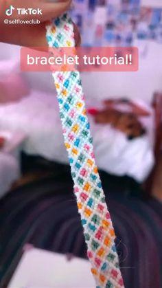 Diy Bracelets Patterns, Yarn Bracelets, Diy Bracelets Easy, Bracelet Designs, String Bracelets, Handmade Bracelets, Diy Friendship Bracelets Tutorial, Diy Friendship Bracelets Patterns, Bracelet Tutorial