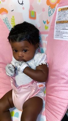 Cute Black Babies, Black Baby Girls, Beautiful Black Babies, Cute Little Baby, Pretty Baby, Cute Baby Girl, Beautiful Children, Little Babies, Baby Love