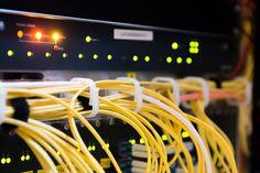 Prędkość łącza internetowego ma wpływ na jakość pracy, a co za tym idzie sprawne funkcjonowanie firmy. Wiele problemów dotyczących tej kwestii można wyeliminować za sprawą technologii światłowodowej i data center przeznaczonych dla przedsiębiorstw, tzw. FTTB. Światłowody – szybko i sprawnie  Świa... http://efirmowy.pl/internet-swiatlowodowy-rozwiazanie-szyte-na-miare-firmy/