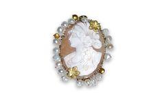18 KARAT GOLD OVAL CAMEO PENDANT WITH SATIN FLOWERS. Cameo Pendant, Satin Flowers, Charms, Pendants, Brooch, Gold, Jewelry, Jewlery, Jewerly