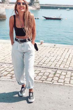 Como atualizar o look com mom jeans - Guita Moda Outfit Jeans, Slouchy Outfit, Mom Jeans Outfit Summer, Zara Outfit, Spring Work Outfits, Casual Summer Outfits, Outfits With Mom Jeans, Slouchy Pants, Style Outfits