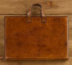 Dose of Design: Love it! - Leather laptop cases
