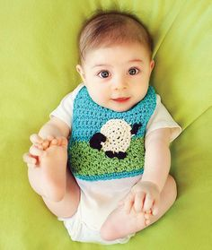 Baby Bib with Sheep Applique -Free Crochet Pattern