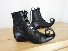 Leather Wicked Witch Curly Toe Elf Ankle Boots Booties from Austria 7.5 8 Halloween
