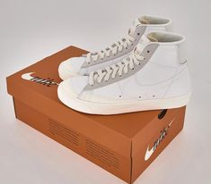 Dr Shoes, Nike Air Shoes, Hype Shoes, Sock Shoes, Me Too Shoes, Shoes Sneakers, Nike Run, Aesthetic Shoes, Fresh Shoes