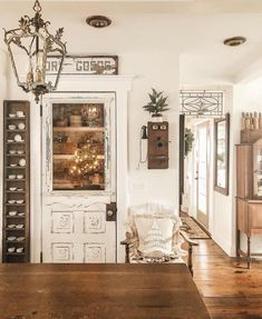How to Make Your Shabby Chic Living Room Truly Unique – We Shabby Chic Shabby Chic Kitchen, Shabby Chic Homes, Shabby Chic Decor, Shabby Chic Zimmer, Smart Tiles, French Country Decorating, Interior Exterior, Style At Home, Home Fashion