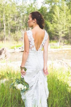 Allure 8800 wedding gown. Here's a picture of the back.