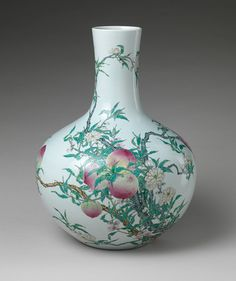 Eighteenth-century Chinese porcelain vase with peache, symbols of longevity. (Metropolitan Museum of Art)