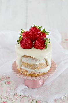 ... white chocolate mini naked cake with cream cheese and strawberry syrup ...