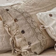 The easiest & cheapest vintage grain sack pillow covers ever! Antique Lace, Vintage Lace, Linen Bedding, Linen Fabric, Bedding Sets, Pillow Room, Linens And Lace, Soft Furnishings, Decorative Pillows