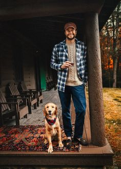 Cabin Weekend What we wouldn't give to hanging with this man and his dog, sipping whiskey at a cabin.What we wouldn't give to hanging with this man and his dog, sipping whiskey at a cabin. Rugged Style, Style Men, Men's Style, Lumberjack Style, Outdoorsy Style, Classy Girl, Winter Mode, Hommes Sexy, Cozy Cabin