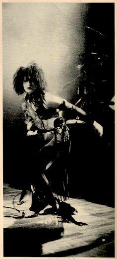 *still the best goth hairstyle!! *Siouxsie Sioux. S)