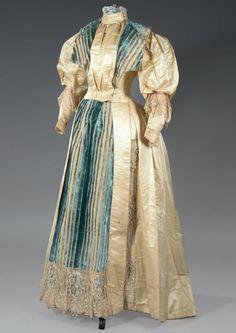 Dress ca. 1895From Thierry de Maigret