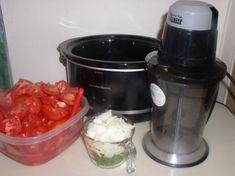 Slow Cooker Freezer Spaghetti Sauce – Haphazard Homemaker Freezer Spaghetti Sauce, Canning Peaches, Homemaking, Slow Cooker, Frozen, Recipes, Food, Sauces, Dinners