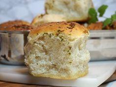 Magiskt brytbröd med olivolja och vitlök - Victorias provkök Foods To Eat, Bread Baking, Deli, Banana Bread, Nom Nom, Foodies, Pancakes, Dinner Recipes, Food And Drink