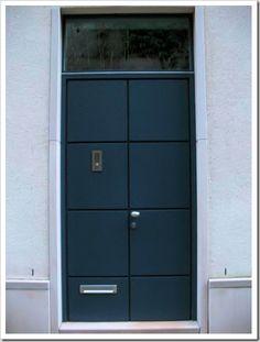 Perfect door blue color.