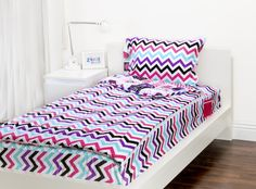 The Rocker Princess Zipit Bedding Set is reversible. Zipit Bedding is America's FIRST all-in-one zippered bedding that will forever change the way people, of ALL ages, make their beds! Simply put, it works like a Sleeping Bag… you just Zipit!