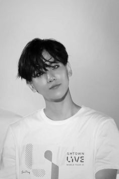 Find images and videos about kpop, exo and baekhyun on We Heart It - the app to get lost in what you love. Baekhyun Fanart, Kyungsoo, Chanyeol, Exo Ot12, Chanbaek, Exo Korea, Popular People, Kpop Exo, Exo Kai