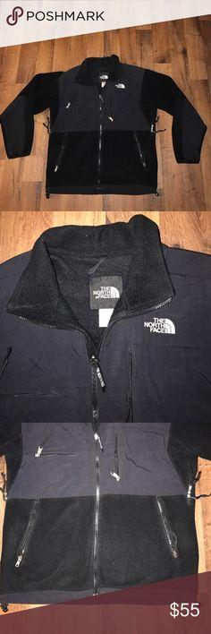 Medium The North Face Denali Fleece Jacket Black Excellent condition The North Face Jackets & Coats