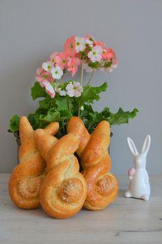 Rozkošní velikonoční zajíčci z kynutého těsta